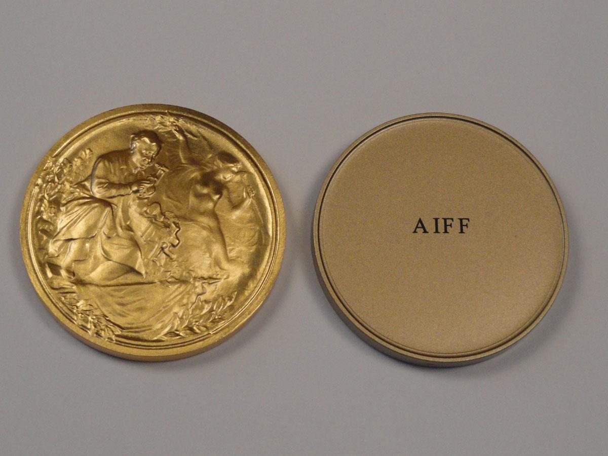 """Золотая медаль """"АВЕРС-ДУШ"""" за лучшее изобретение года на 112-й международной выставке изобретений """"CONCOURS LЁPINE"""" в Париже"""
